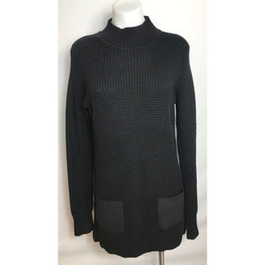 🌸 Banana Republic knit black sweater dress